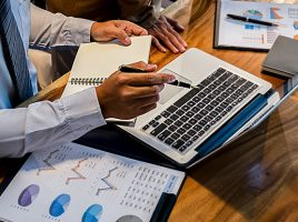 Bookkeeper vs Accountant: What's the Difference?